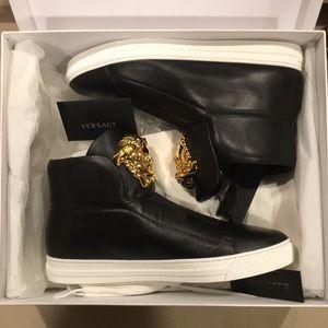 Versace Shoes - Hi-Top Palazzo Medusa Head Shoes 🥶